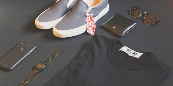 accessory-apple-black-t-shirt-1639729